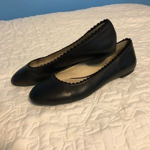 Louise et Cie scalloped black ballet flats, size 9